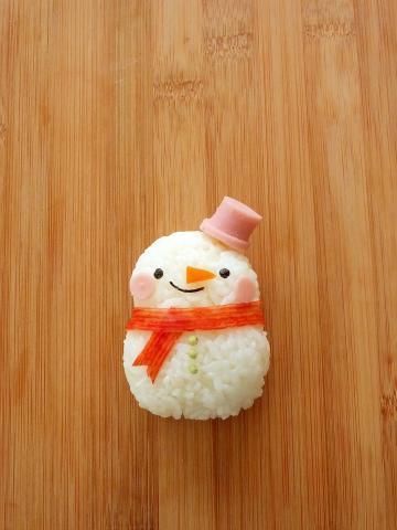 簡単☆キャラ弁 俵おにぎりde雪だるまさん♪
