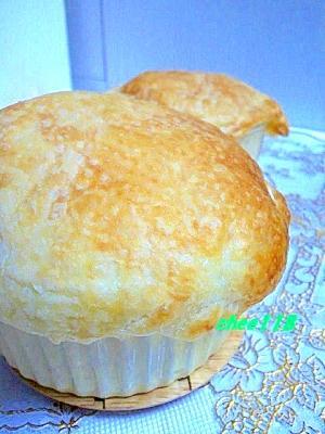 簡単でびっくり♪きのこスープのパイ包み焼き
