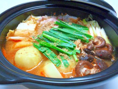 豚バラ肉のカムジャタン風鍋