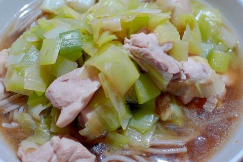 ♡ねぎたっぷりがいいね♡鶏もも肉と長ネギのお蕎麦♡