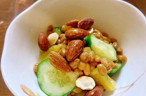 ナッツと納豆の和風サラダ